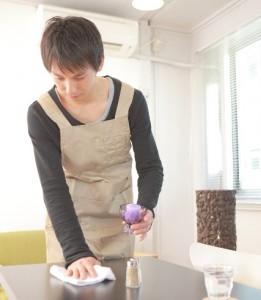 エプロンはカフェなどの制服に用いられている