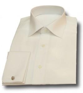カッターシャツはスタッフの清潔感と信頼感を演出する