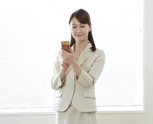 オフィスのユニフォームは、企業のイメージを印象付ける大事なアイテムです。