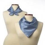スカーフ本来の役割は、首の日焼け防止と緊急時における包帯の代用です。