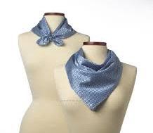 スカーフはユニフォームの一部になっている